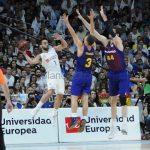 Campazzo paró su celebración con la plantilla del Madrid para despedir a los jugadores del Barça