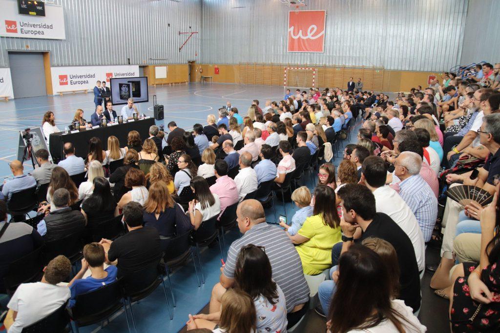 Alrededor de 400 personas asistieron a la presentación del libro en la Universidad Europea de Madrid.