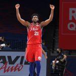 El duelo de líderes se queda en Philadelphia y los Mavs ganan sin Doncic